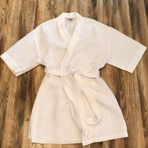 NWOT Real Comfort White Waffle Spa Robe L